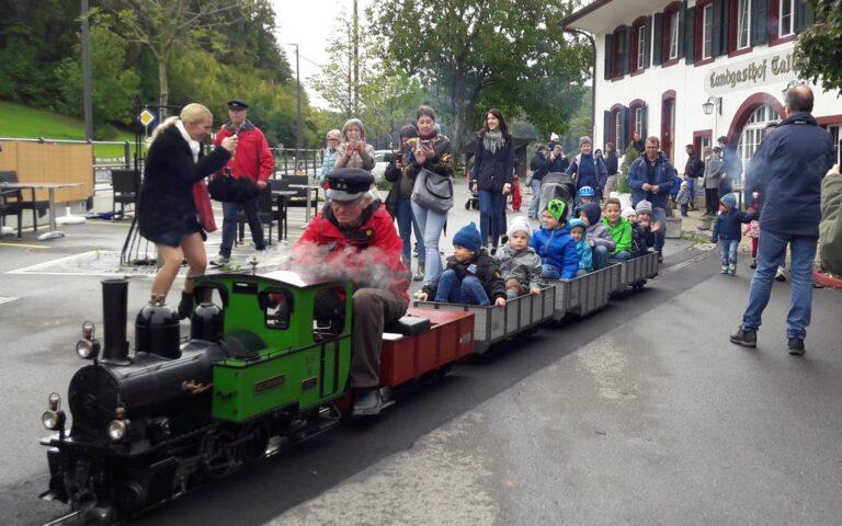 Erfolgreiche Premiere des Dampfzuges Talhaus